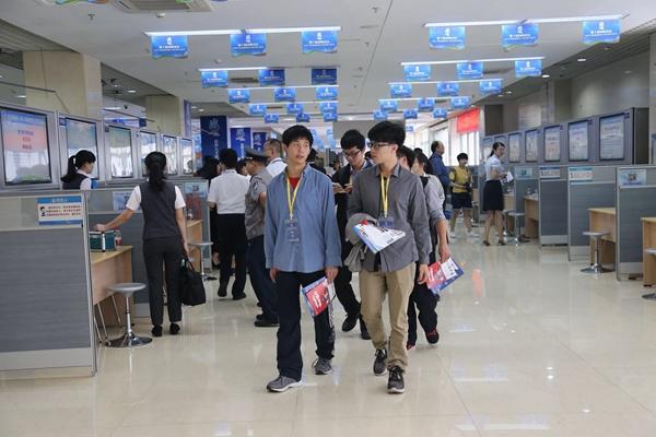 """""""抢滩登陆""""趋热 厦门提供2653个岗位对接台湾人才"""